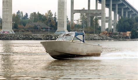 Utility 401 Boat by J Ltd Marine Designers And Consultants 22ft
