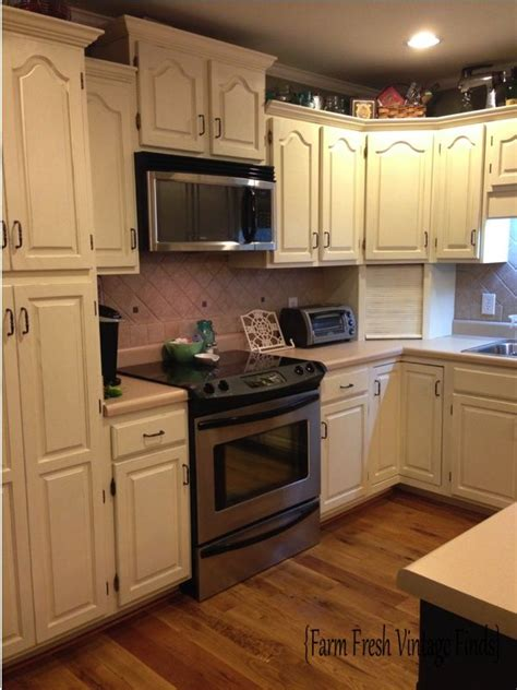 Painted Kitchen Cabinets With Annie Sloan Chalk Paint