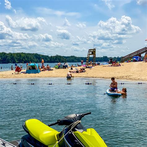 Yes, here are some popular vacation rentals in smith mountain lake that have internet access On-Water Adventures at Smith Mountain Lake - Smith ...