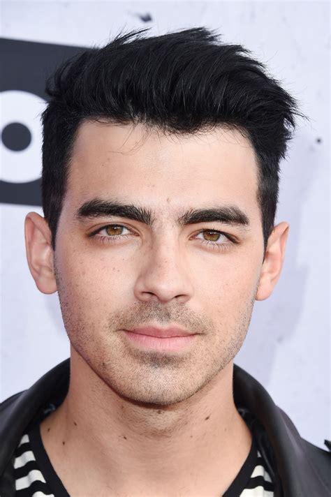 Joe Jonas Debuted a New Hair Color Over the Weekend   Joe ...