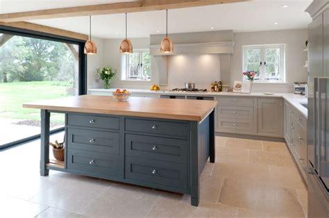 farmhouse kitchen shaker cabinets best 25 shaker style kitchens ideas on grey