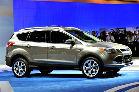 Small Suv Cars by Small Suv Cars 2016 Ford Escape Best Midsize Suv
