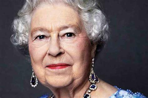 queen david bailey elizabeth ii portrait jubilee sapphire throne facts monarch years marks britain prince hewitt james queens buckingham palace