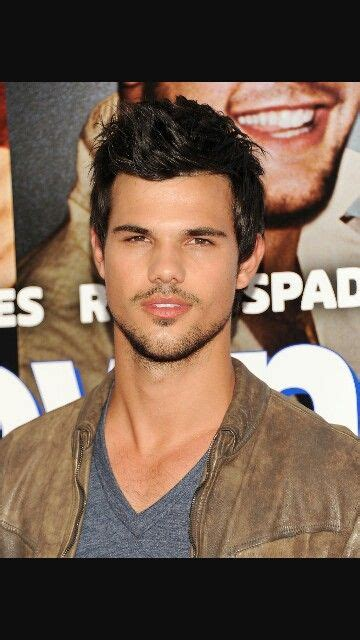 Taylor Lautner   Taylor lautner shirtless, Taylor lautner ...