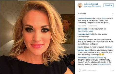 Carrie Underwood Debuts Lovely New Haircut For Opry Stage