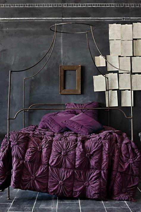 d馗oration papier peint chambre adulte 1001 idées pour la décoration d 39 une chambre gris et violet