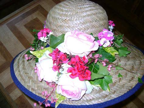 cr 233 ation florale un chapeau fleuri avec les fleurs du jardin cr 233 ation floral de