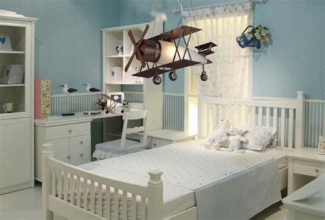 lustre chambre gar輟n le lustre chambre enfant qui vous fait rêver archzine fr