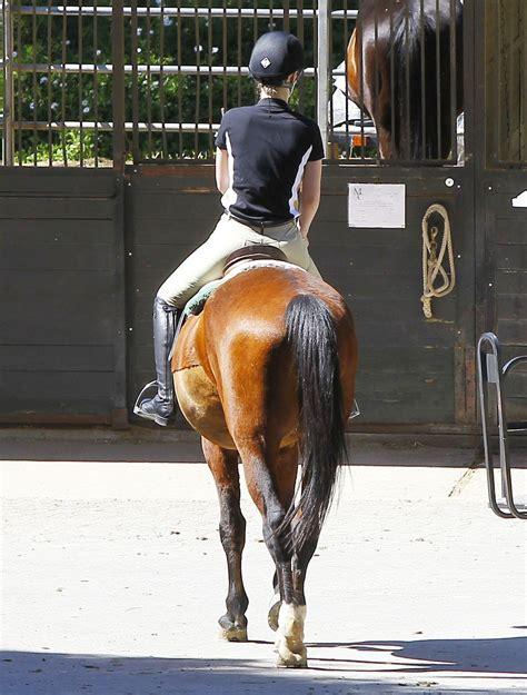 Iggy Azalea - Horseback Riding Lesson in Los Angeles ...