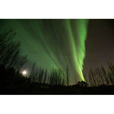 The best time and place to see the Northern Lights in