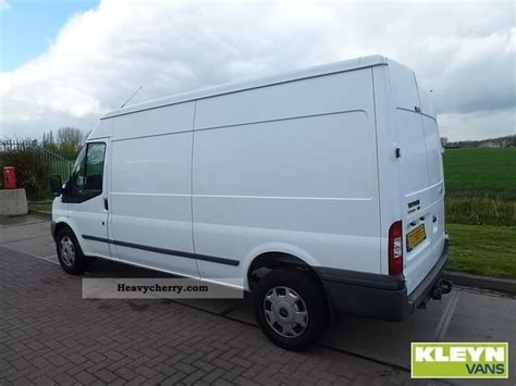 Ford Transit 330l 2007 Box-type Delivery Van Photo And Specs