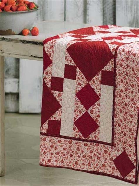 blanket  strawberries  quilt pattern