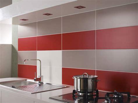 cr 233 dence de cuisine avec carrelage mural photo 2 20 un effet particuli 232 rement r 233 ussi