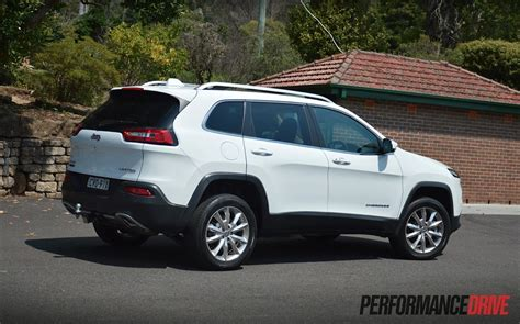 2015 Jeep Cherokee Limited Diesel Review (video