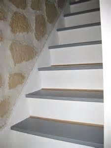 Peindre Un Escalier En Blanc by Comment Repeindre Un Escalier