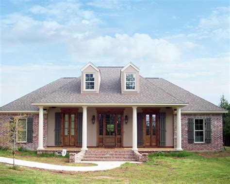 bed acadian  options mm architectural designs house plans
