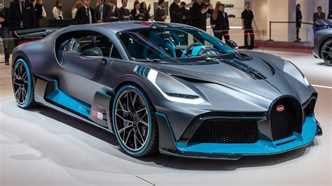 The new variant offers a completely different drive experience, focused on agility, says cedric davy, coo for bugatti of the americas, who adds that the chiron pur sport is positioned at. File:Bugatti Divo, GIMS 2019, Le Grand-Saconnex (GIMS0029).jpg - Wikimedia Commons