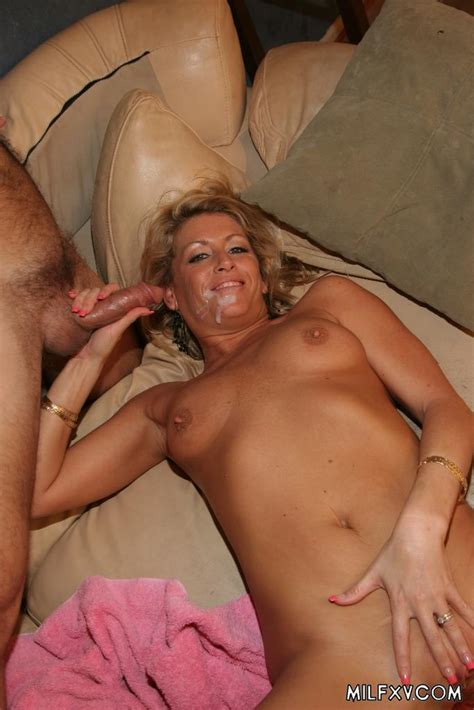 Sexy Milf Cum Eating 2712 Page 5