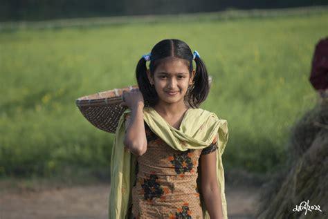 village girl  picture    tara manikganj