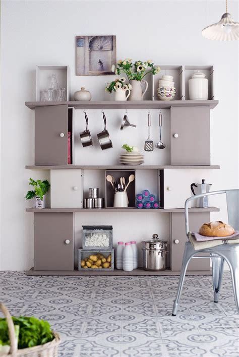diy meuble cuisine étagères caisses en bois customisées