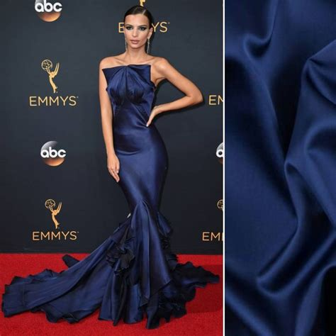 Emily Ratajkowski stole the Emmys red carpet wearing Zac ...