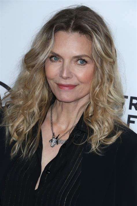 michelle pfeiffer scarface  reunion red carpet