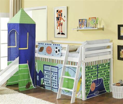 Sehr gut erhaltenes paidi hochbett aus massivholz mit rutsche, bettwäsche und vorhängen. Kinderbett mit Rutsche - das Hochbett wird zum Spielplatz