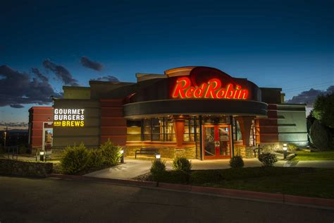 Red Robin Gourmet Burgers ($RRGB) Analysis Ahead of Q4 ...