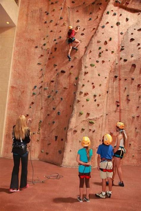 climbing rock fitness venetian gyms programs hotel indoor nutritionist guests schedule meet class take hauteliving