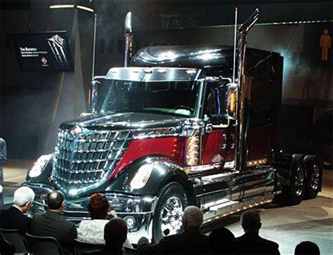2015 luxury trucks navistars fuel efficient lonestar semi truck is lustworthy