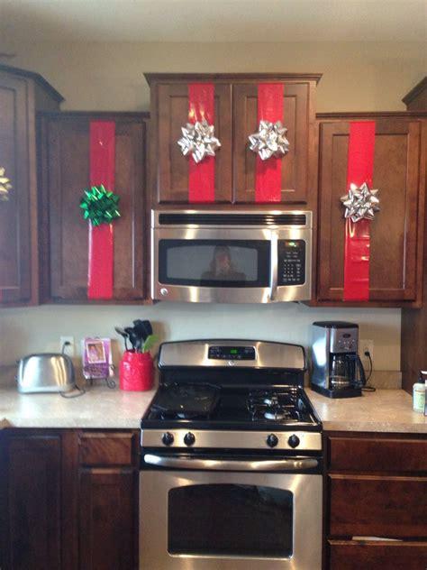 kitchen cabinet christmas decor christmas kitchen decor