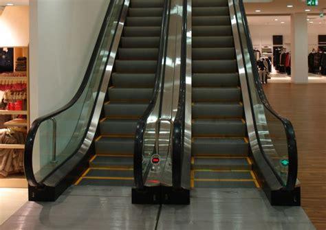 scale mobili  tappeti mobili  centri commerciali