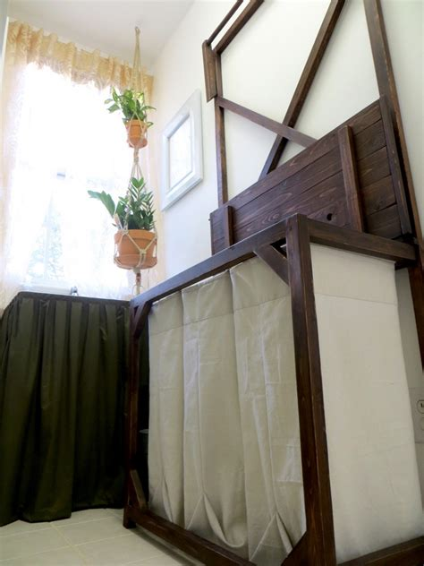 build   laundry sorter  hanging rod