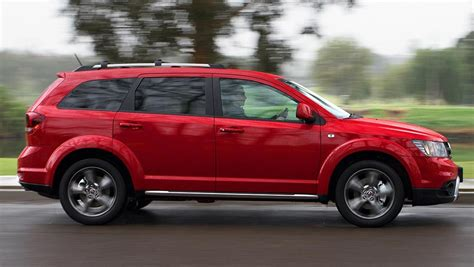 Fiat Freemont by 2015 Fiat Freemont Crossroad Review Carsguide