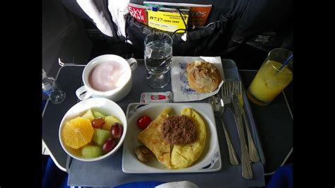Hd United Airlines 737-900 Food Service In First Class New