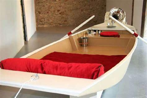 rowboat inspired beds  pleasurecraft
