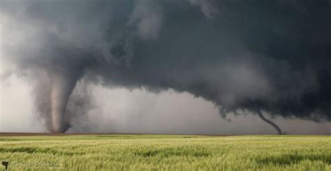 Brett Wright Twitter Unbelievable Tornadoes Near