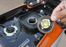 Cara Membersihkan Tangki Motor by Tips Cara Menguras Membersihkan Tangki Motor Yang