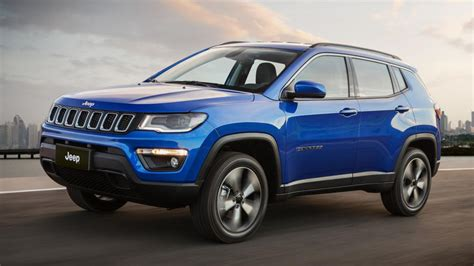 bmw jeep 2017 jeep compass unveiled to rival the bmw x1 audi q3