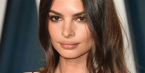 Emily Ratajkowski Revealed She's Pregnant With Her First Child