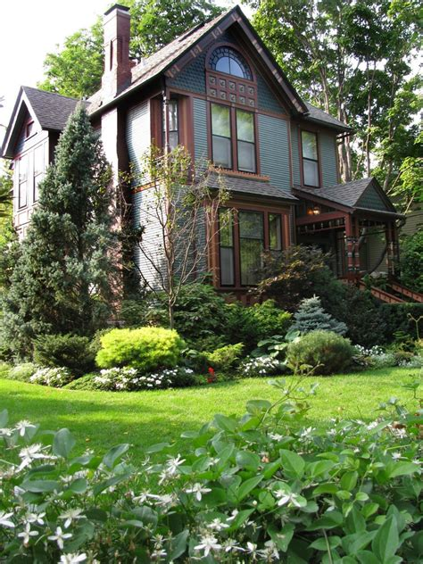 Fabulous Front Yards From Rate My Space Diy