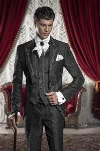 costume mariage homme costume mariage homme en brocart noir avec broderies argentées