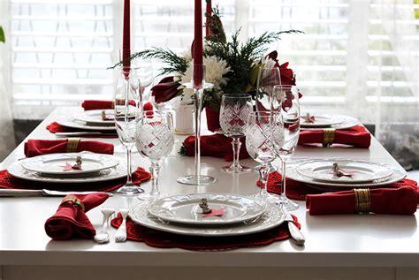 decorate  table  christmas dinner wren