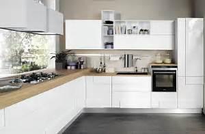 Cucina bianca soluzioni per arredare proposti da lube