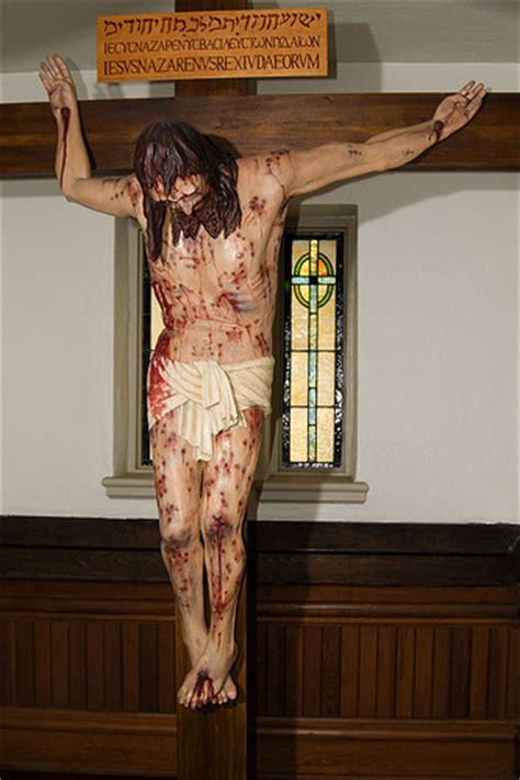 crucifix based    shroud  turin catholic