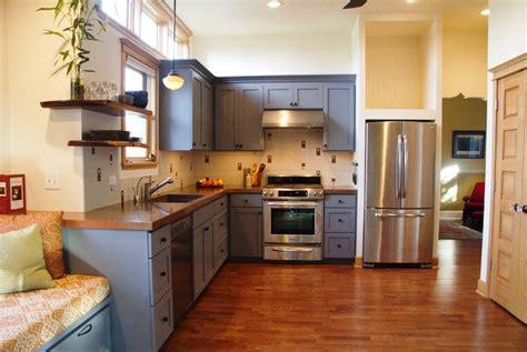 peindre meuble bois cuisine peinture pour meuble de cuisine en bois deco maison moderne