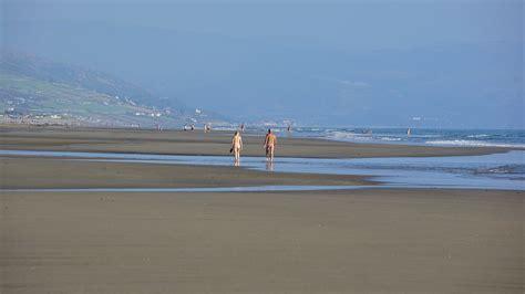 On A Public Beach Naked Voyeur Pics Not Sure How I