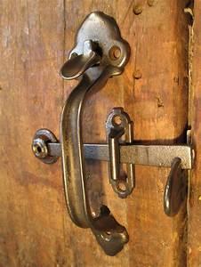 Barn door latches door hardware best 25 barn door for Barn door handles and latches