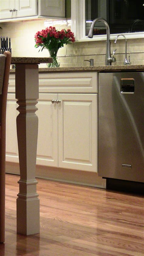 Square Island Legs Perfect For Contemporary Kitchen