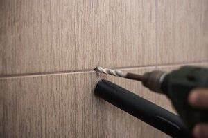 Großes Loch In Holz Bohren : wie sie ein loch in fliesen bohren ben tigtes material tipps tricks ~ Eleganceandgraceweddings.com Haus und Dekorationen